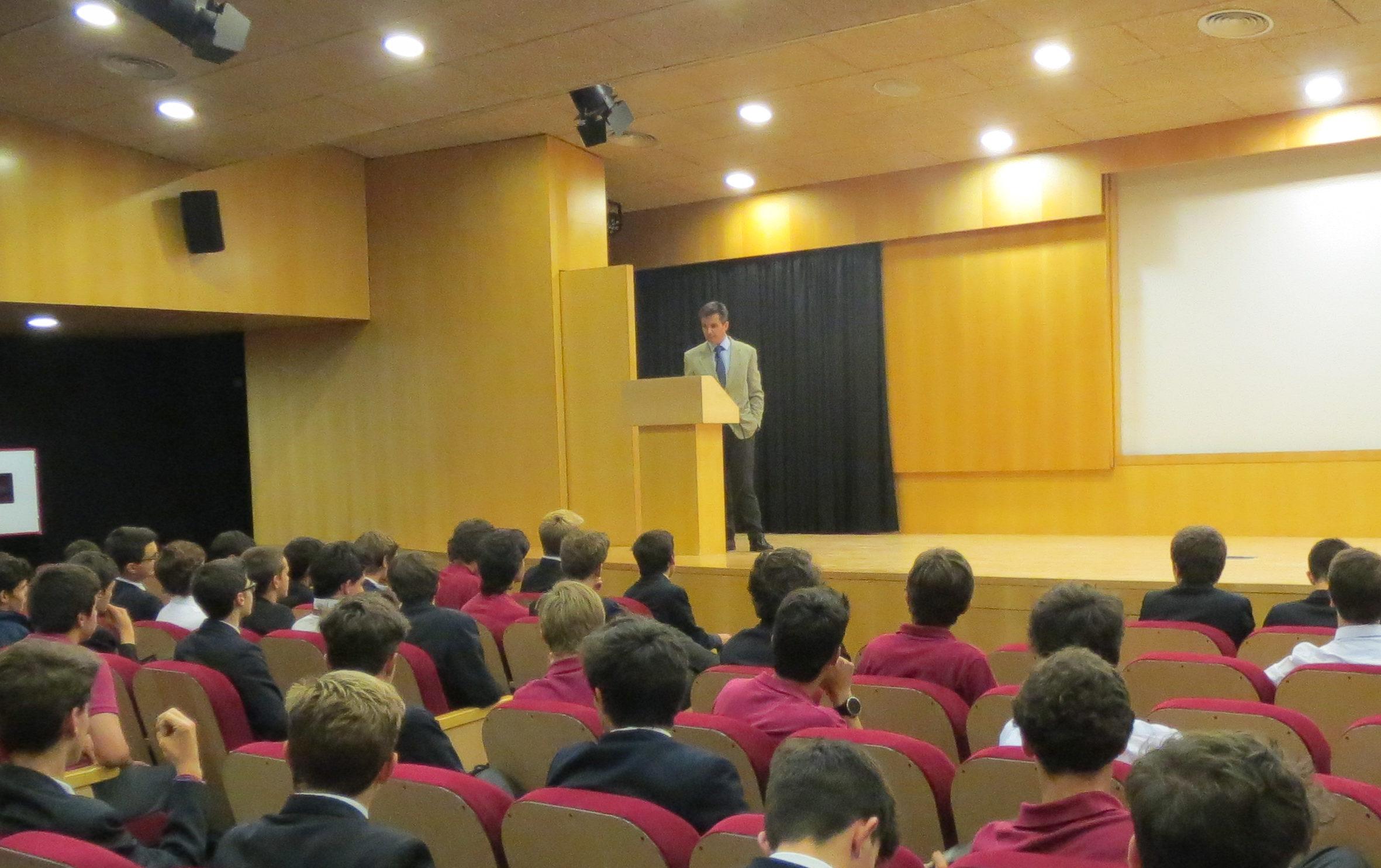 Conferencia del Dr. Jaime Pérez Esquerdo